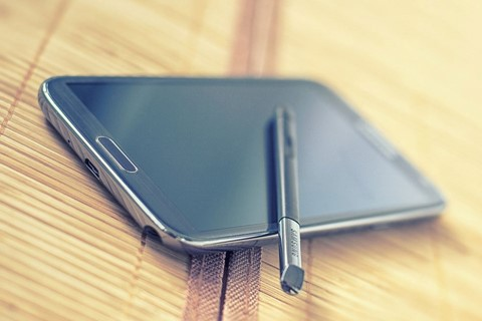 Imagem de Policial salvo por um Galaxy Note 2 em tiroteio vai ganhar aparelho novo no site TecMundo