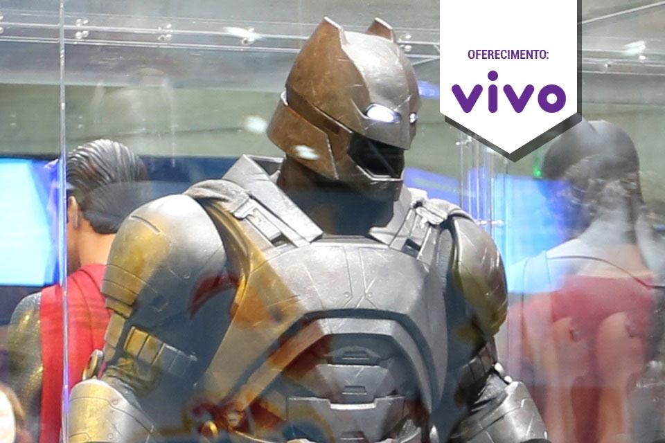 Imagem de Batman vs Superman: armadura do Batman é exposta na Comic-Con no tecmundo