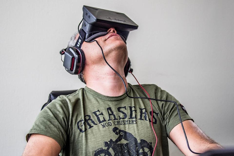Imagem de Relaxe: você já pode testar vídeos pornográficos em óculos de RV [vídeo] no tecmundo