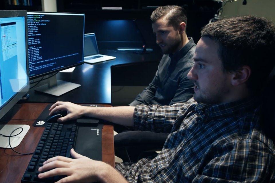 Imagem de Famoso hacker do PS3 e do iPhone demonstra como invadir um PC [vídeo] no tecmundo