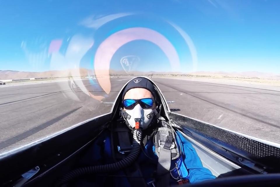 Imagem de Piloto de avião quase morre em acidente em pista de pouso [vídeo] no tecmundo