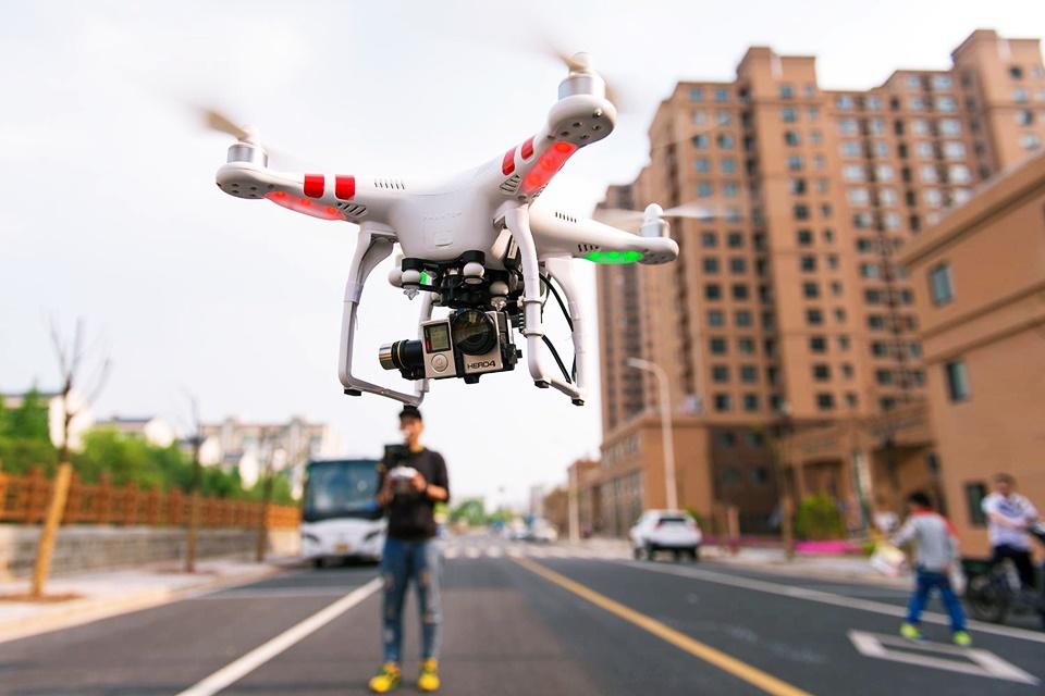 Imagem de Cientistas usam tecnologia do século 19 para recarregar drones em pleno ar no tecmundo