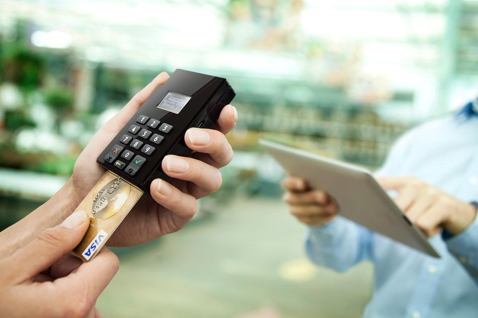 Imagem de Mas, afinal, qual é a melhor maquininha de cartões de crédito? no tecmundo