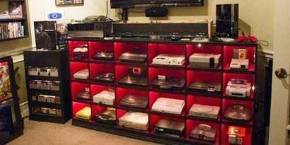 Imagem de Que tal ter uma sala com praticamente todos os consoles que existem? no site TecMundo