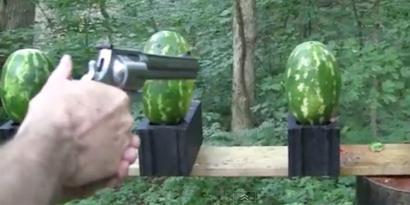 Imagem de Magnum S&W .500 destrói melancias e tira a graça de Fruit Ninja [vídeo] no site TecMundo