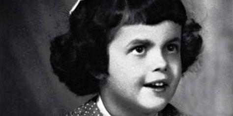 Imagem de Dilma Rousseff entra na brincadeira e posta foto como criança no Facebook no site TecMundo