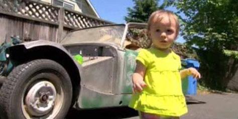 Imagem de Menina de 1 ano compra carro no eBay por acidente no site TecMundo