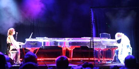 Imagem de Pianista japonês faz duelo musical contra holograma de si mesmo [vídeo] no site TecMundo