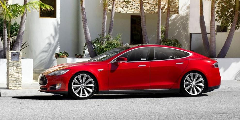 Imagem de Tesla S P85: testamos o carro de luxo 100% elétrico no site TecMundo