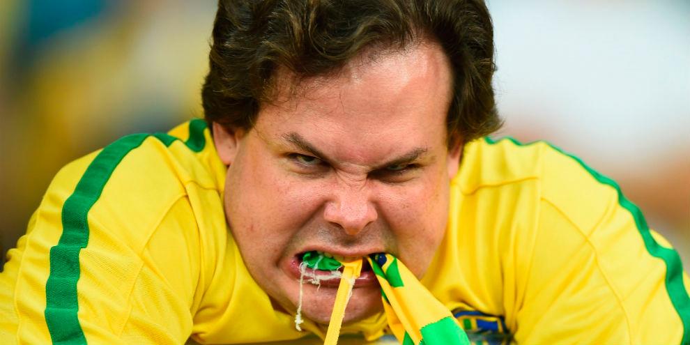 Imagem de 13 memes que ilustram a derrota do Brasil para a Alemanha na Copa do Mundo no site TecMundo