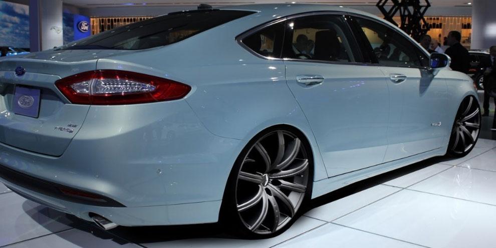 Imagem de Ford Fusion 2015 contará com cintos de segurança infláveis no site TecMundo