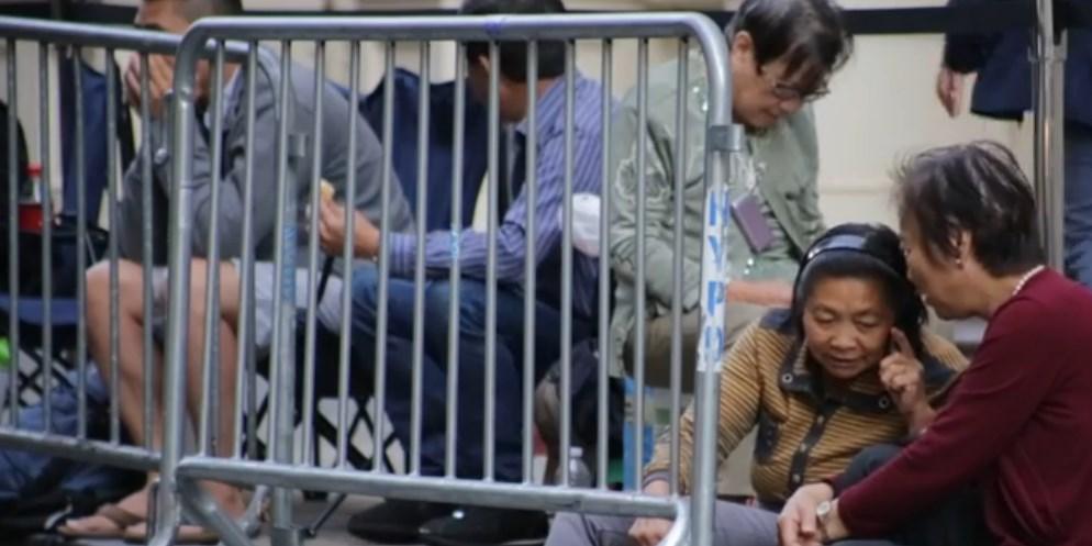 Imagem de Denúncia: chineses contratados esperam na fila por iPhone e revendem depois no site TecMundo