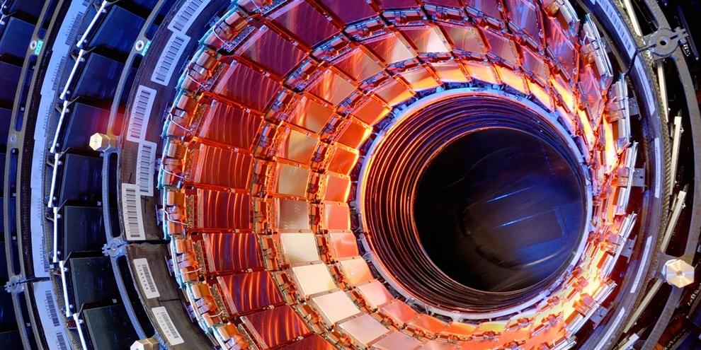 Imagem de FCC, o maior acelerador de partículas do mundo, terá 100 km de extensão no site TecMundo