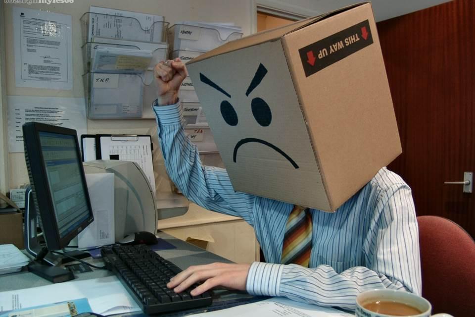 Imagem de Facebook é palco de discussões e inimizades por causa de opiniões políticas no site TecMundo