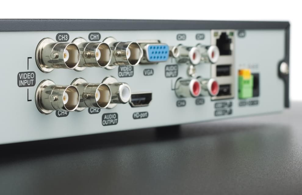 Imagem de HDMI, VGA, DVI, DisplayPort, Componente ou RCA: qual cabo é o melhor? no site TecMundo