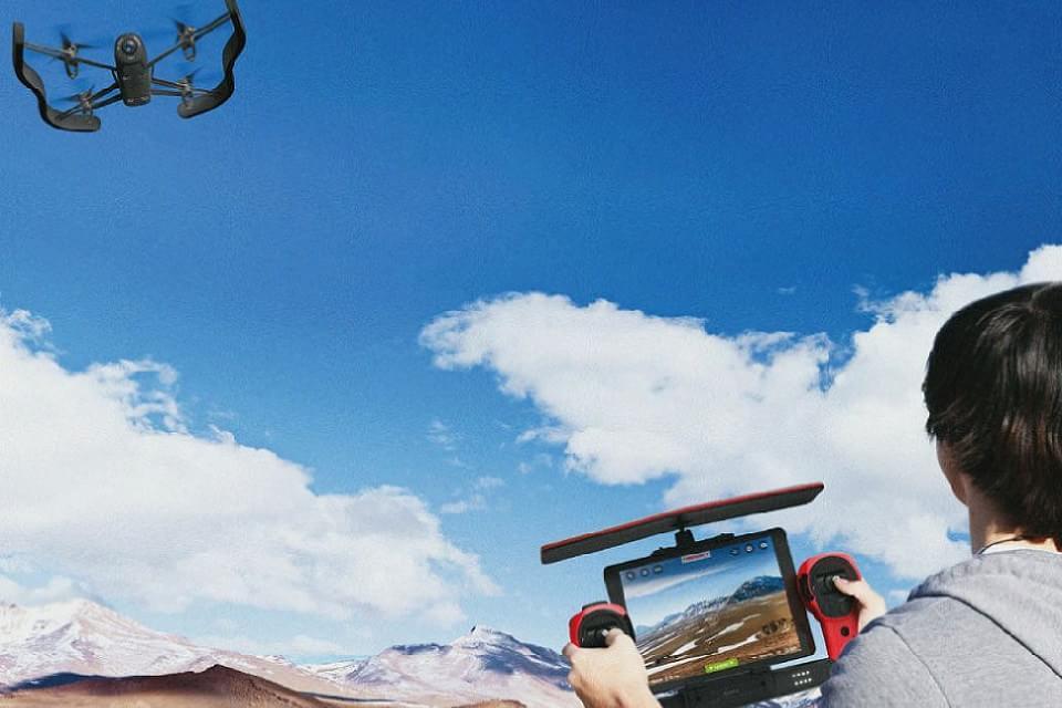Imagem de Parrot Bebop Drone será lançado em dezembro por US$ 500 no site TecMundo