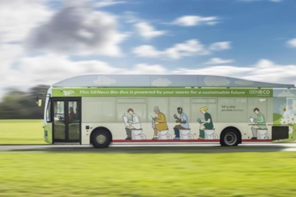 Imagem de Ônibus movido a fezes faz estreia na Inglaterra no site TecMundo