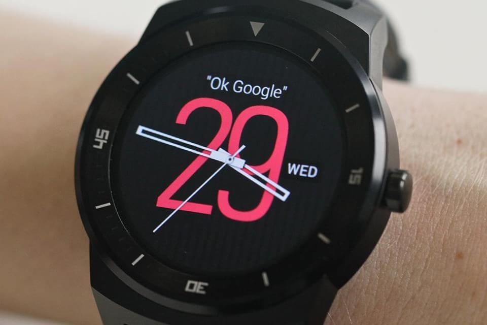 Imagem de LG pode anunciar o relógio G Watch R2 com 4G na MWC 2015 no site TecMundo