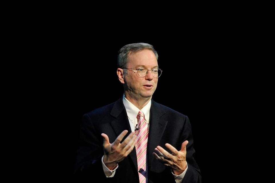 """Imagem de """"A internet vai desaparecer"""", diz Eric Schmidt da Google no site TecMundo"""