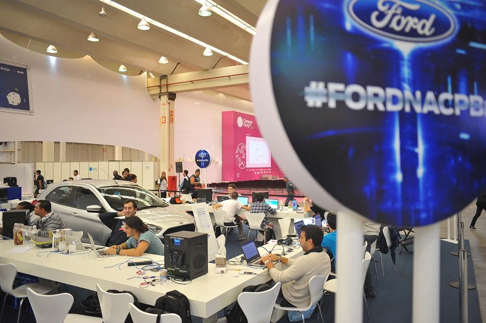 Imagem de Ford premia o vencedor da Hackaton da Campus Party com um Novo Ka no site TecMundo