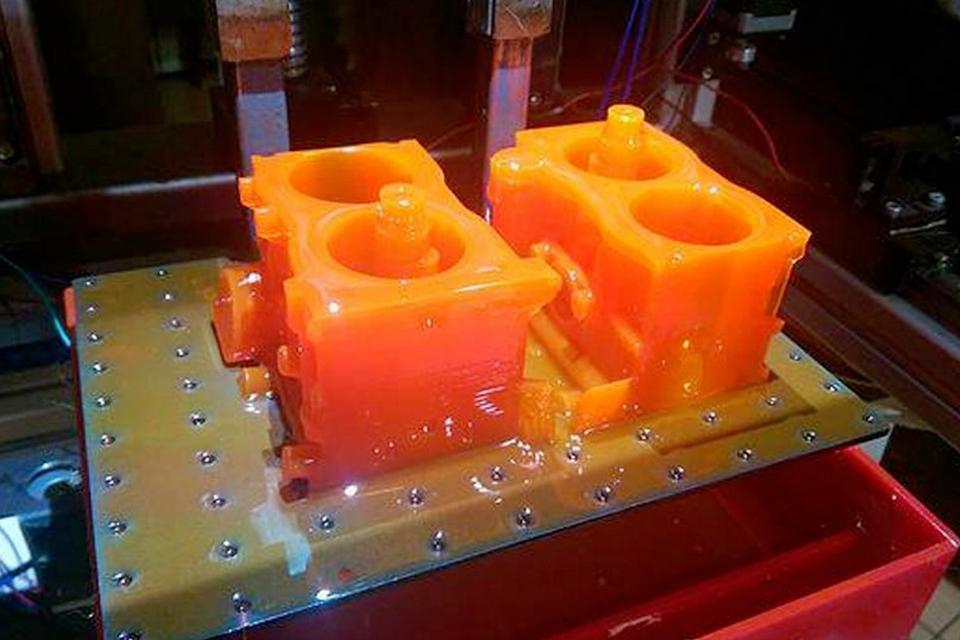 Imagem de Nova impressora 3D ultrarrápida cria objetos complexos com resina e luz no site TecMundo