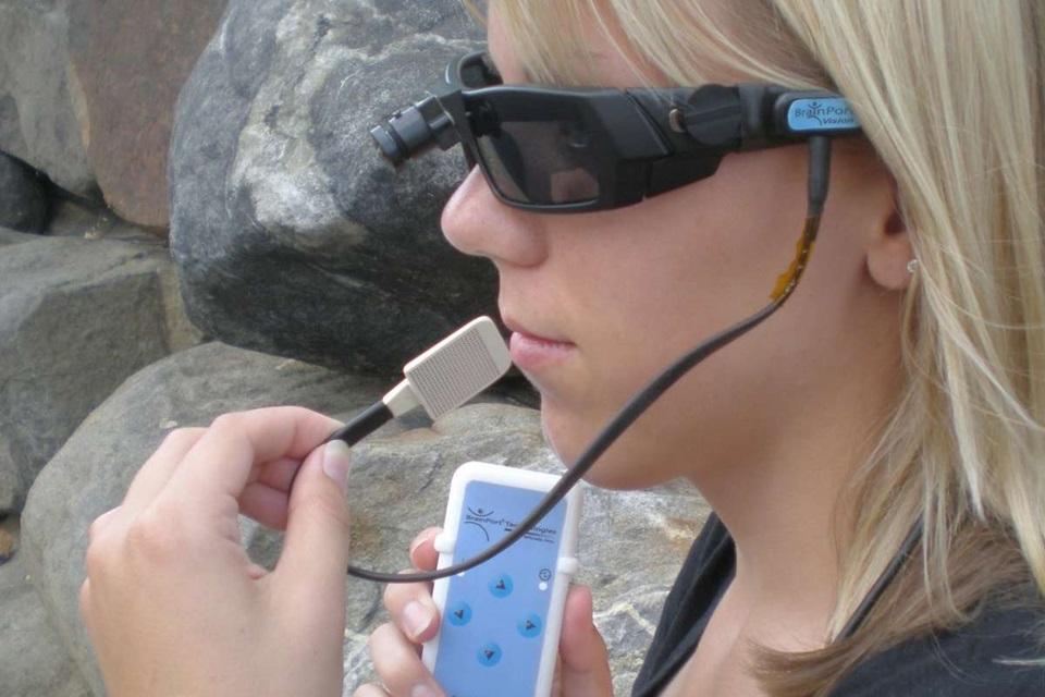 Imagem de Aparelho que ajuda deficientes visuais a enxergar chega ao mercado em breve no tecmundo