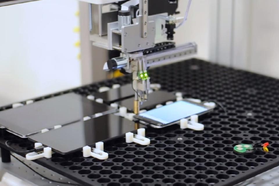 Imagem de Conheça as máquinas que fazem todo tipo de testes em seu smartphone no tecmundo