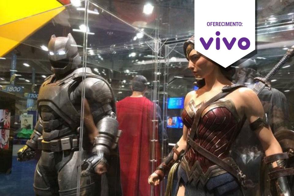 Imagem de Trajes da Mulher-Maravilha, Superman e Batman: fotos do saguão da Comic-Con no tecmundo