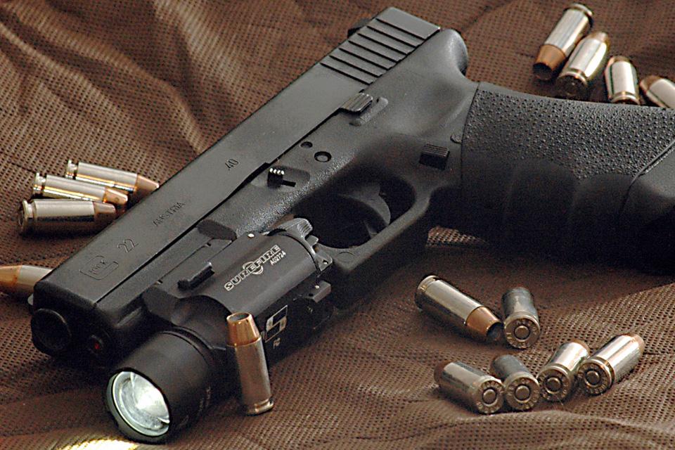 Imagem de Pistola Glock automática dispara 20 tiros por segundo no tecmundo