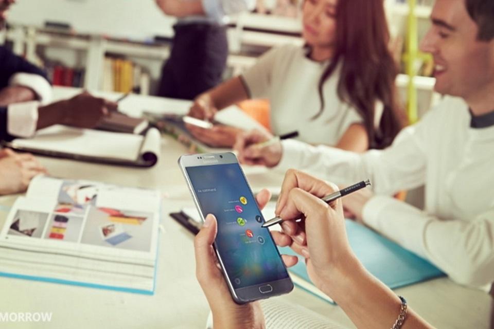 Imagem de Nova S Pen: caneta do Galaxy Note 5 é clicável e escreve em tela desligada no tecmundo