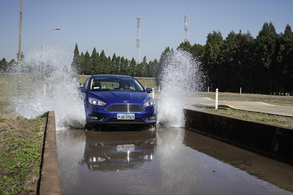 Imagem de Visitamos as pistas e laboratórios do campo de testes dos carros da Ford no tecmundo