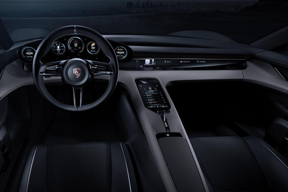 Imagem de Eletrizante: veja o painel totalmente digital do Porsche Mission E [vídeo] no tecmundo