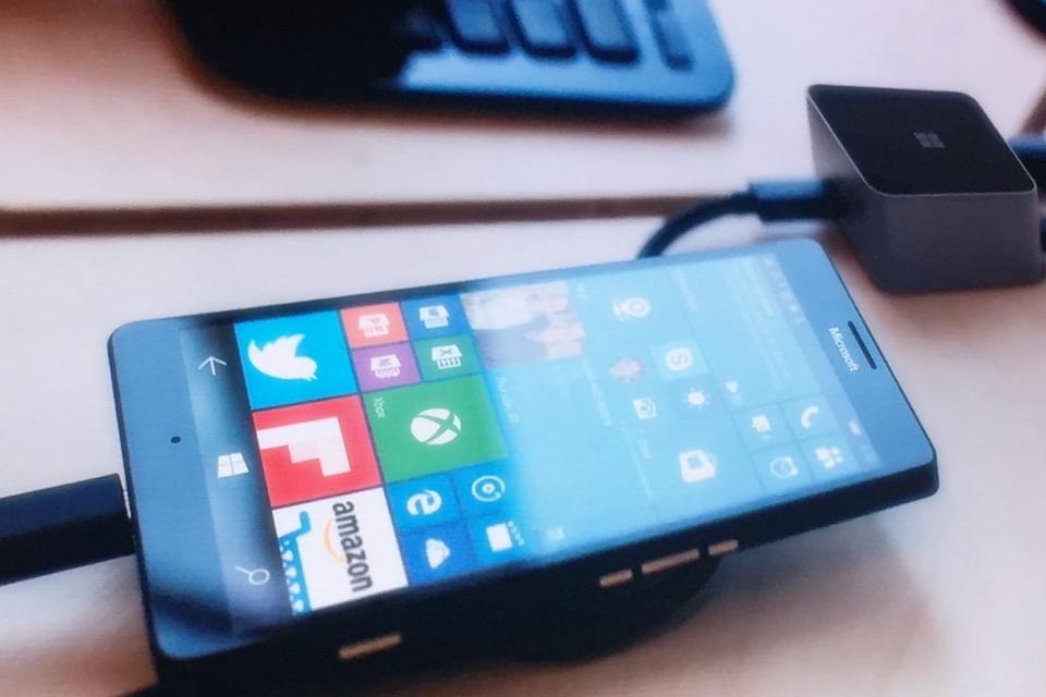 Imagem de Novos docks da Microsoft transformam os Lumias e Surfaces em PCs desktop no tecmundo