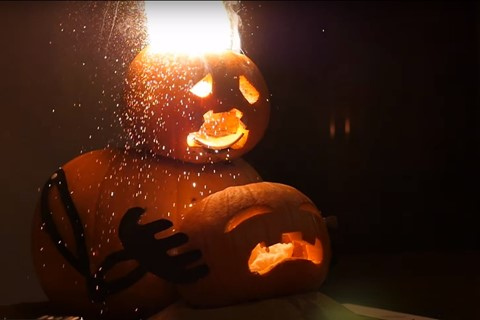 Imagem de Como deixar sua decoração de Halloween mais explosiva [vídeo] no tecmundo
