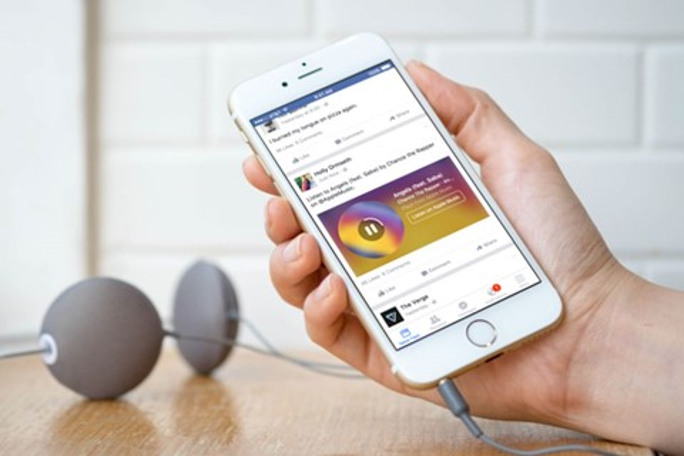 Imagem de Facebook vai tocar músicas do Spotify e Apple Music diretamente no seu feed no tecmundo