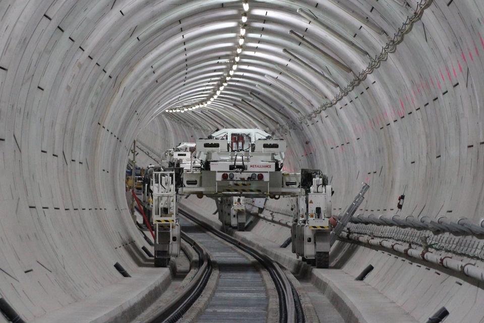 Imagem de Máquinas customizadas começam a montar estrutura do novo metrô de Londres no tecmundo