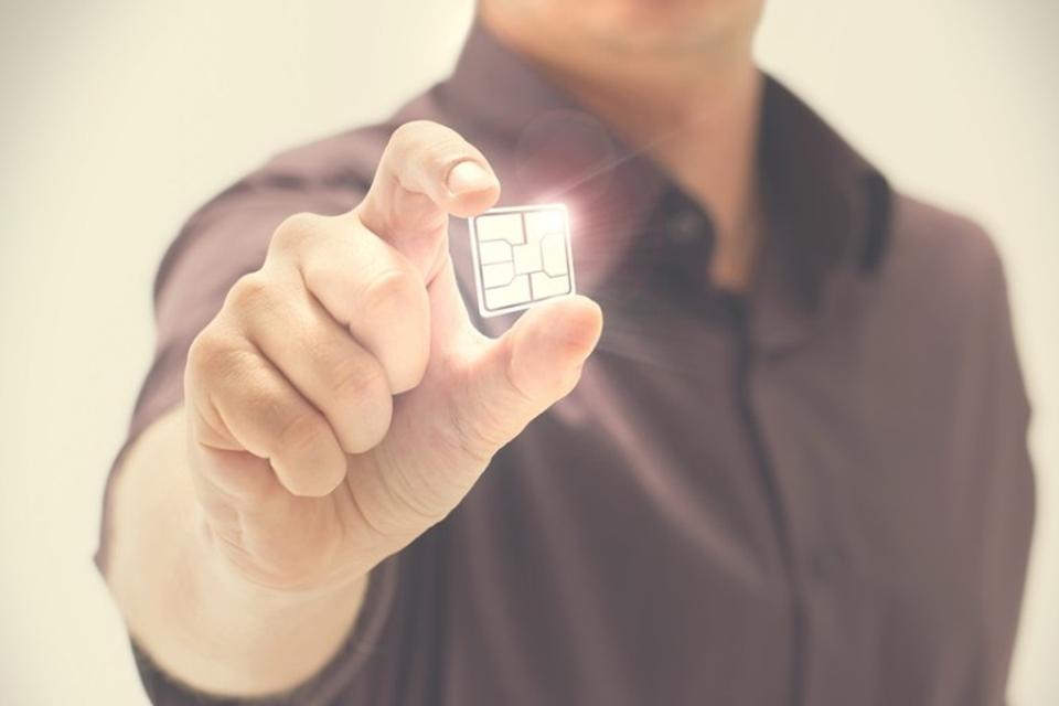 Imagem de O que é o eSIM e como ele pode facilitar a sua vida no celular? no tecmundo