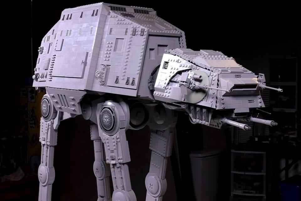 Imagem de É hora de babar com uma versão gigante de um AT-AT de LEGO [vídeo] no tecmundo