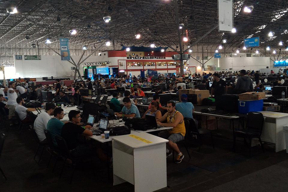 Imagem de Campuseiros, CP em Brasilia e Lei Rouanet: começou a Campus Party 2016  no tecmundo