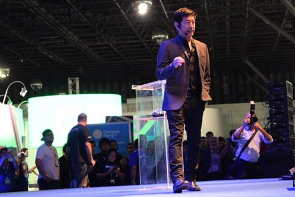 Imagem de Grant Imahara foi um dos maiores sucessos da Campus Party 2016  no tecmundo