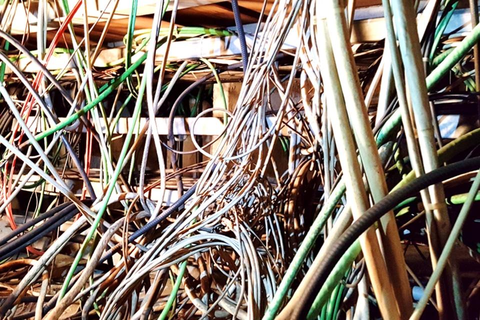 Imagem de Equipamento da CERN precisa ter 9 mil cabos desplugados antes de upgrade no tecmundo