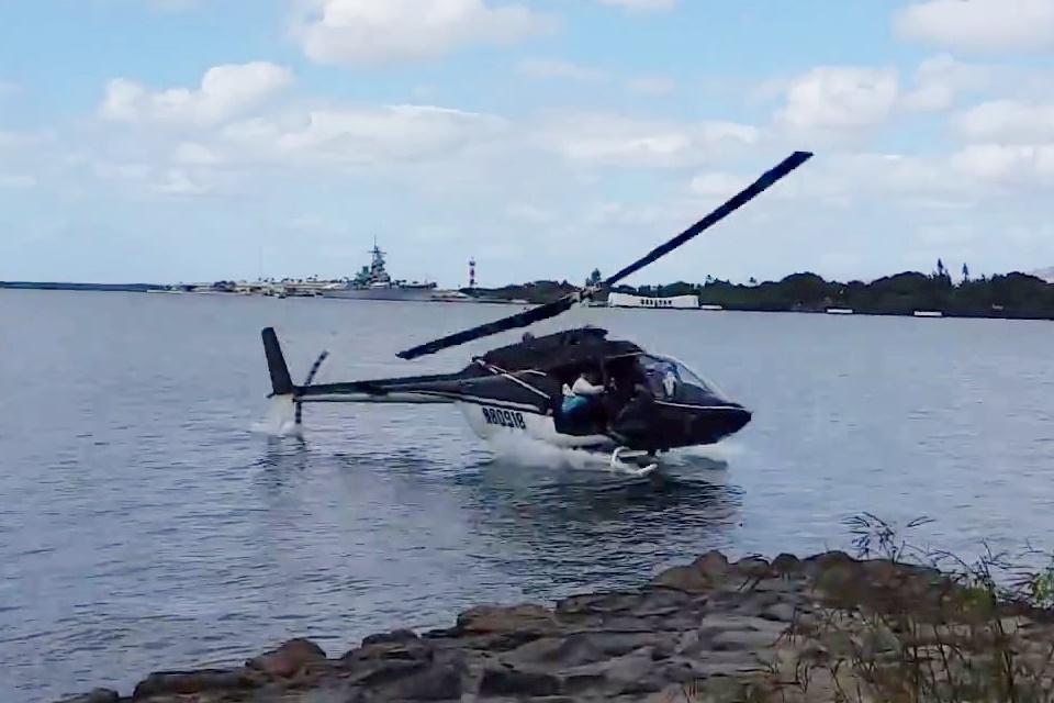 Imagem de Assustador: queda de helicóptero é flagrada em vídeo no Havaí no tecmundo