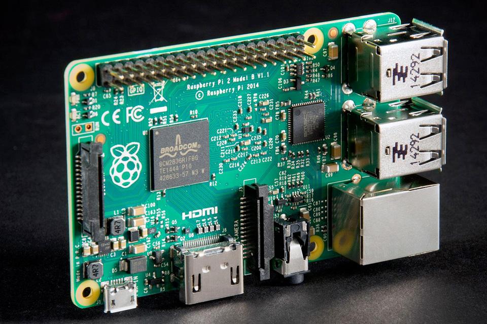 Imagem de Raspberry Pi 3 já está à venda; novidade traz WiFi e Bluetooth de fábrica no tecmundo