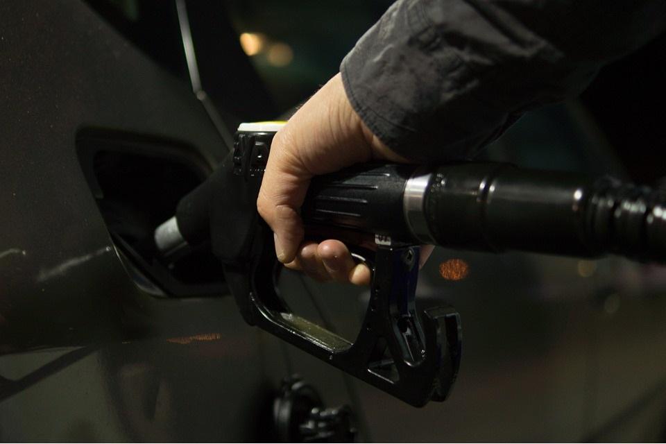 Imagem de Combustível tá caro? Saiba quais são os carros mais econômicos do mercado no tecmundo