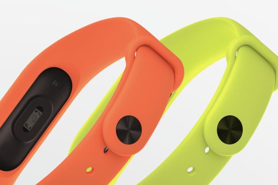Imagem de Xiaomi revela a nova, inteligente e melhorada pulseira Mi Band 2 no tecmundo