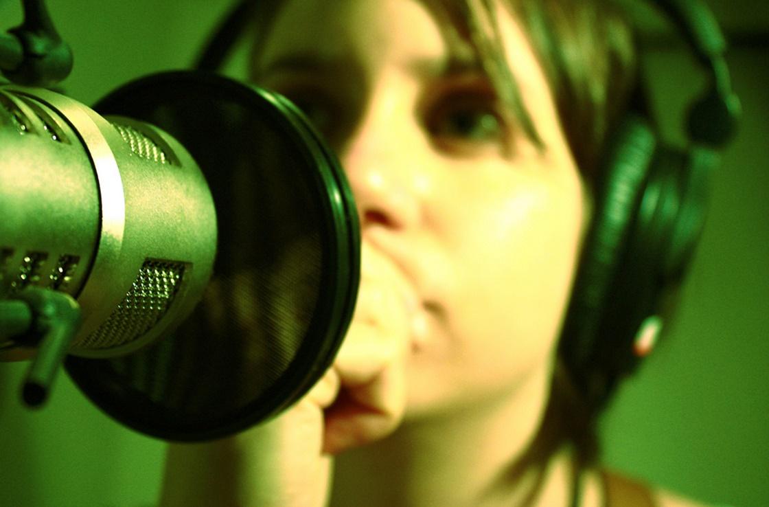 Imagem de Como fazer para ouvir o que você fala no microfone pelo fone de ouvido no tecmundo