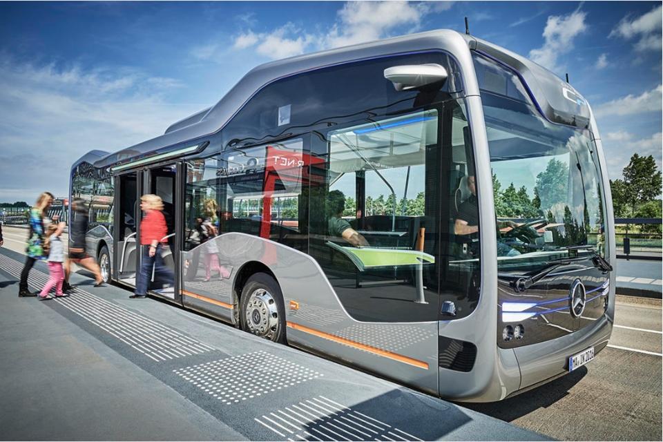 Imagem de Ônibus semiautônomo da Mercedes-Benz pode ser futuro do transporte público no tecmundo