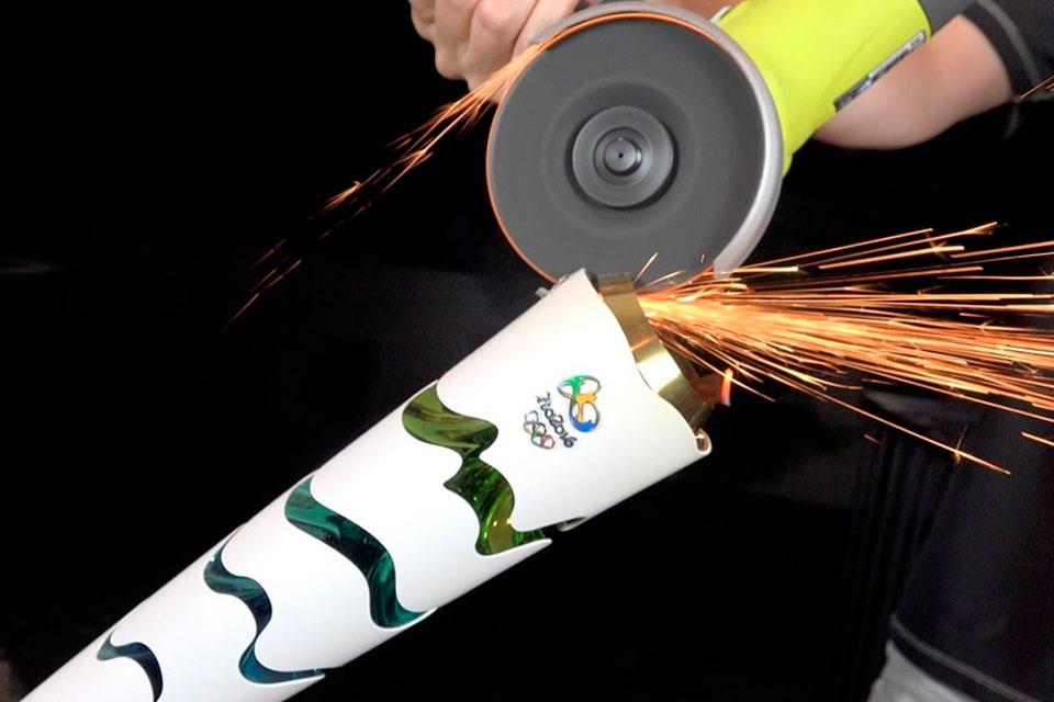 Imagem de Quer saber como é a Tocha Olímpica por dentro? no tecmundo