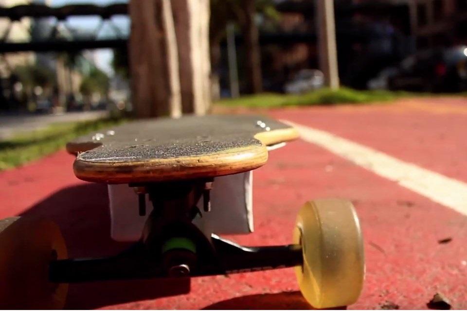 """Imagem de """"Eu que fiz"""": Brasileiro cria skate elétrico totalmente sozinho em casa no tecmundo"""
