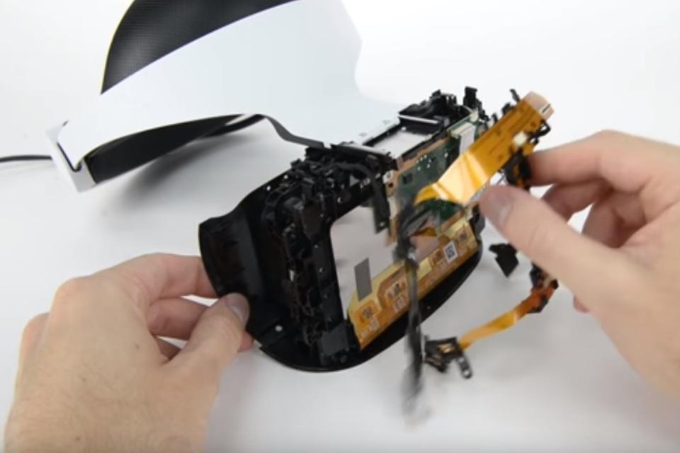 Imagem de PlayStation VR é mais fácil de consertar do que parece [vídeo] no tecmundo